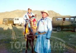Түрү аймгийн Алдарт уяач Ж.Хүрэлбаатарын бор шүдлэн