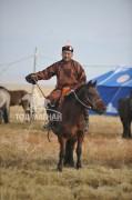 Аймгийн Алдарт уяач Д.Сүмбэнбаатар: Ойрмогоос их насны морьд маань хурдлах янзтай горьдлого төрүүлээд байгаа