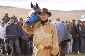МОНГОЛ УЛСЫН АЛДАРТ УЯАЧ Х.БАДАМСҮРЭН: Монгол хүний нарийн ухааныг шинжлэх ухаантай зөв хослуулвал адууны үйлдвэрлэлд илүү үр дүнд хүрч чадна