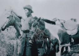 Аав Шагтив. Дархан хул, алаг морьдын хамт