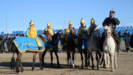 Төвийн бүсэд эхний аравт хурдалсан их насны морьд